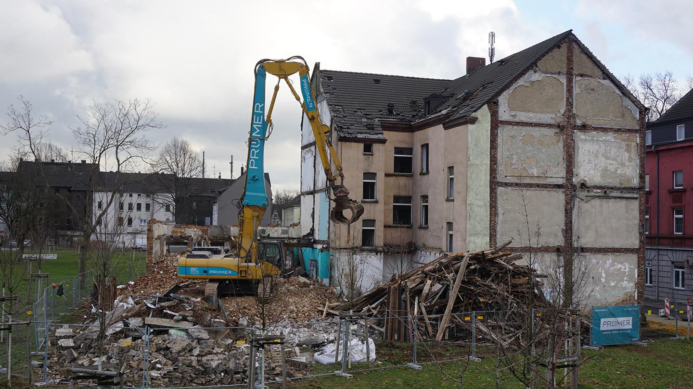 PruemerGmbH_Abbruch-diverser-Wohngebaeude-Duisburg_02